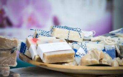 自制肥皂-参加永久农业俱乐部的手工艺组活动 Making Soap